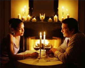 615x200-ehow-images-a02-07-up-apply-makeup-candlelight-dinners-800x800